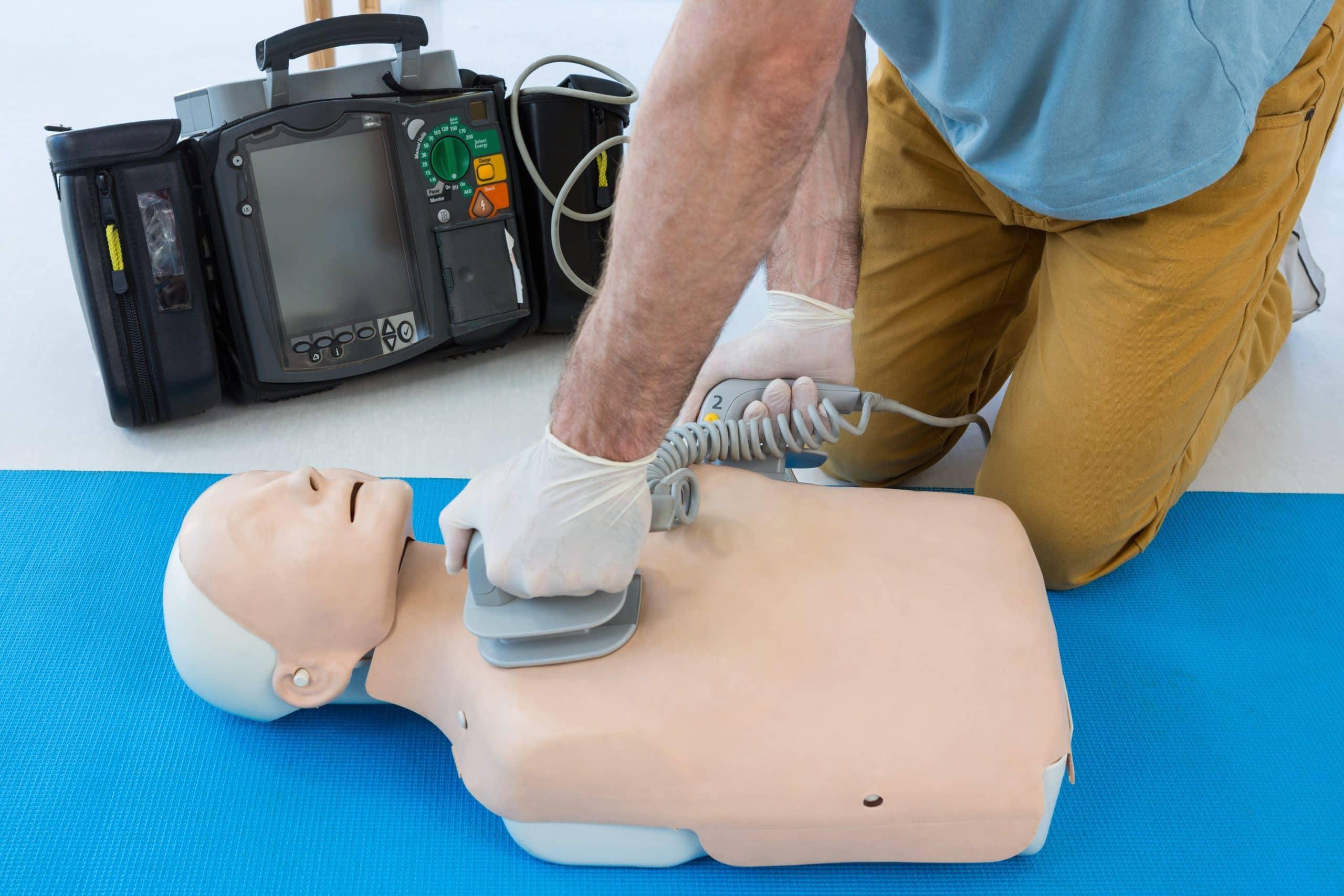 Apprenez l'ensemble des gestes de premiers secours en devenant SST : Sauveteur secouriste du travail dans votre centre de formation GRP près de Mulhouse